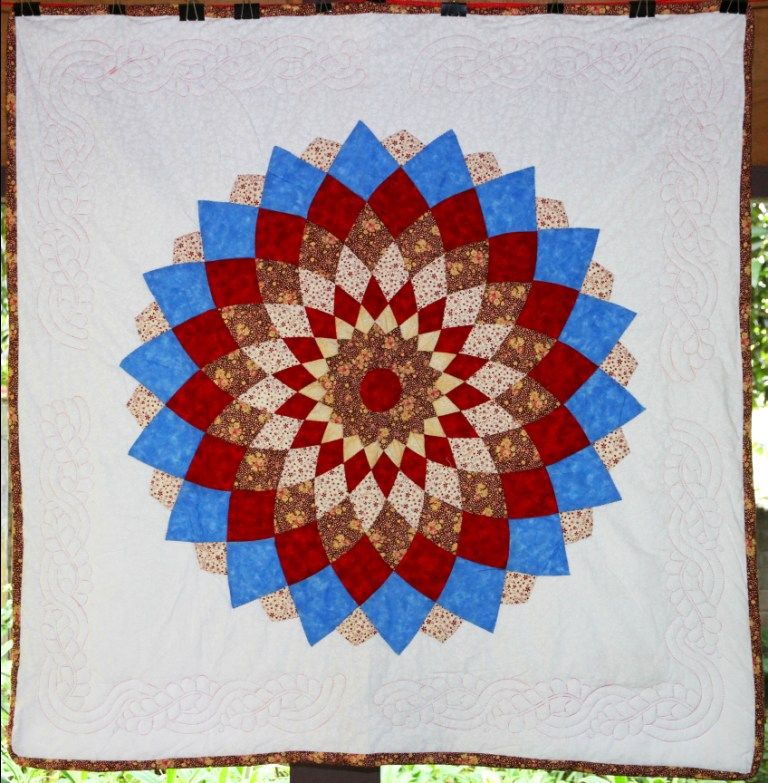 Red Dahlia Wall Hanging Simply The Best Quilts